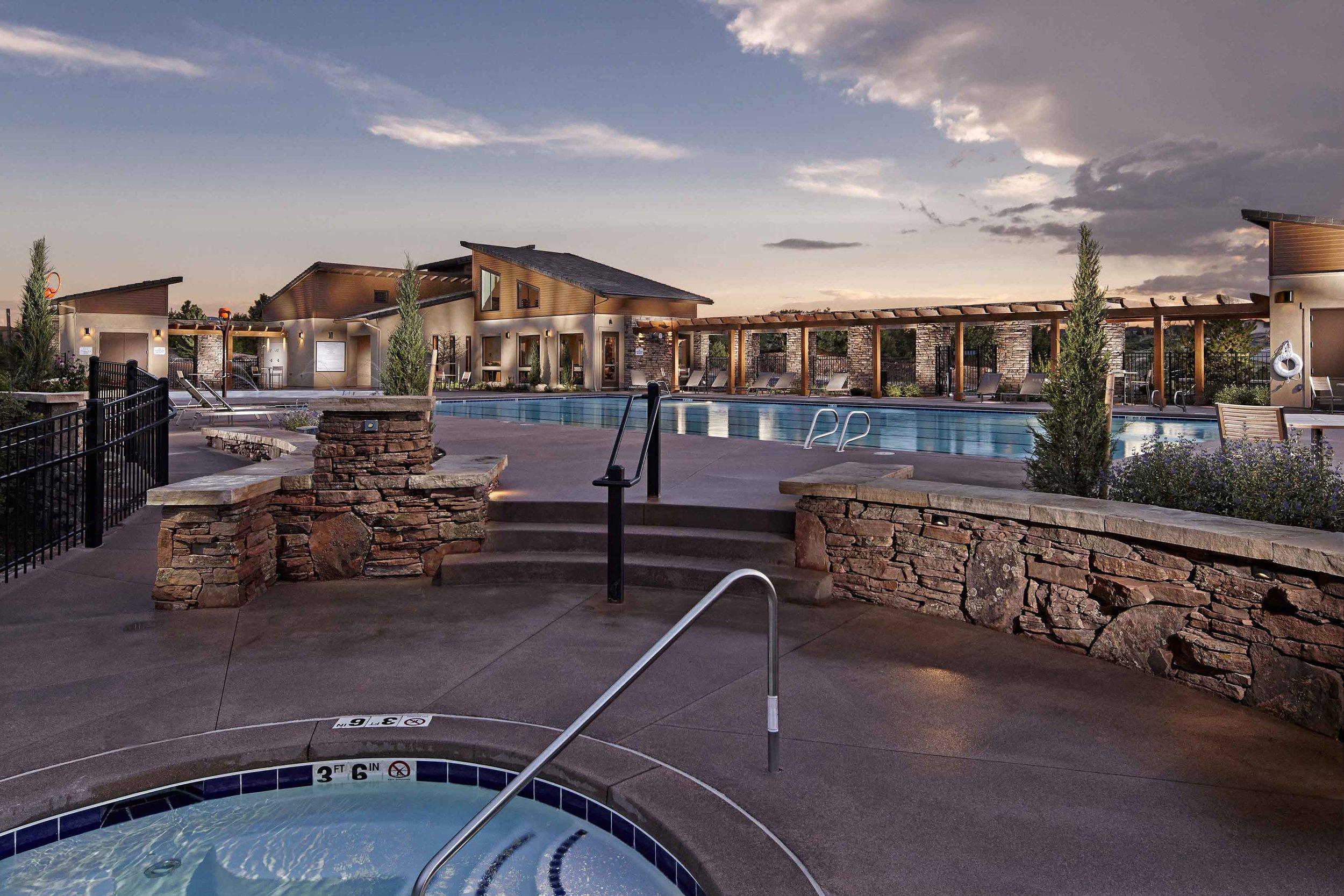 Poolhouse Pool Hot Tub.jpg