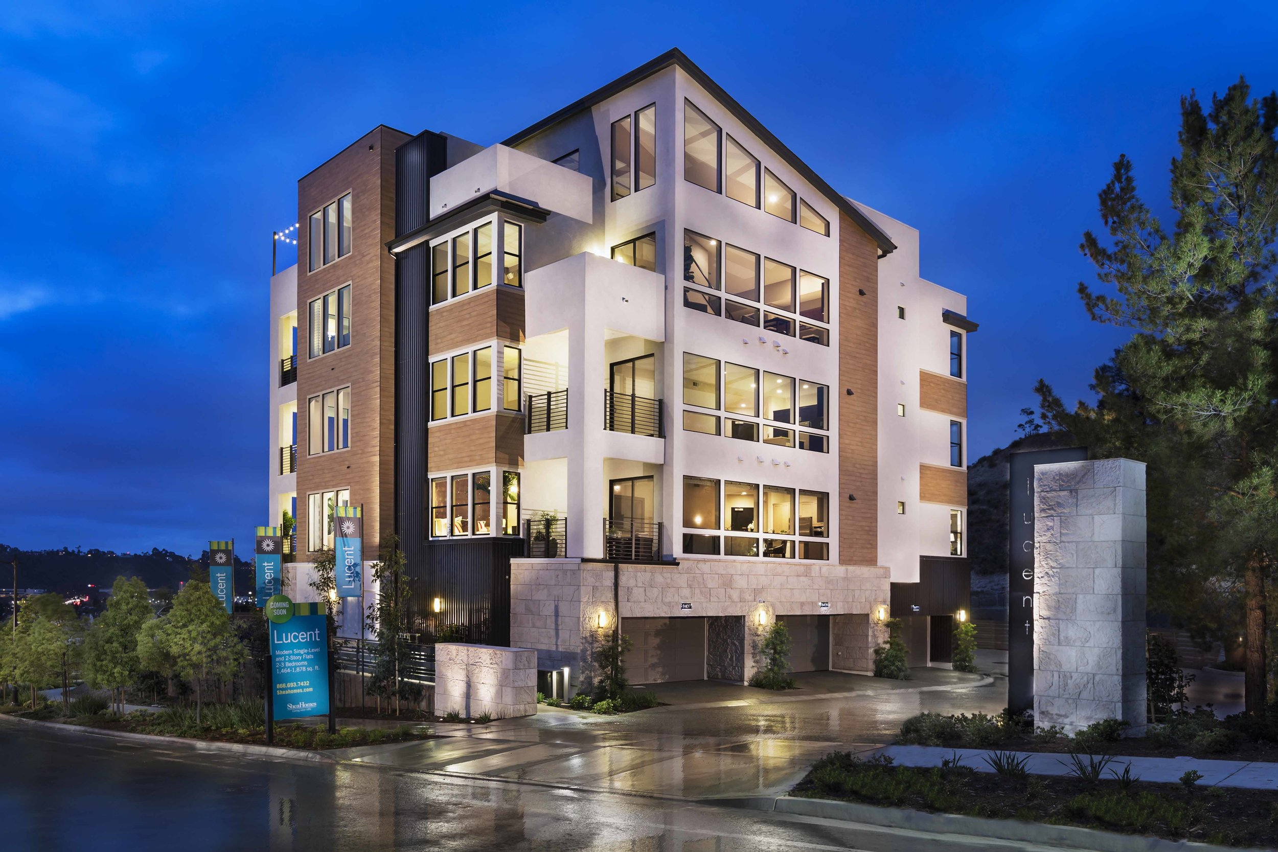 Lucent     San Diego, California    AWARDS  +  2015 SoCal Award  for Best Architectural Design of an Attached Home Plan  +  2015 Gold Nugget Award  of Merit for Best Multi-Family Housing Project Between 18-30 DU / Ac.