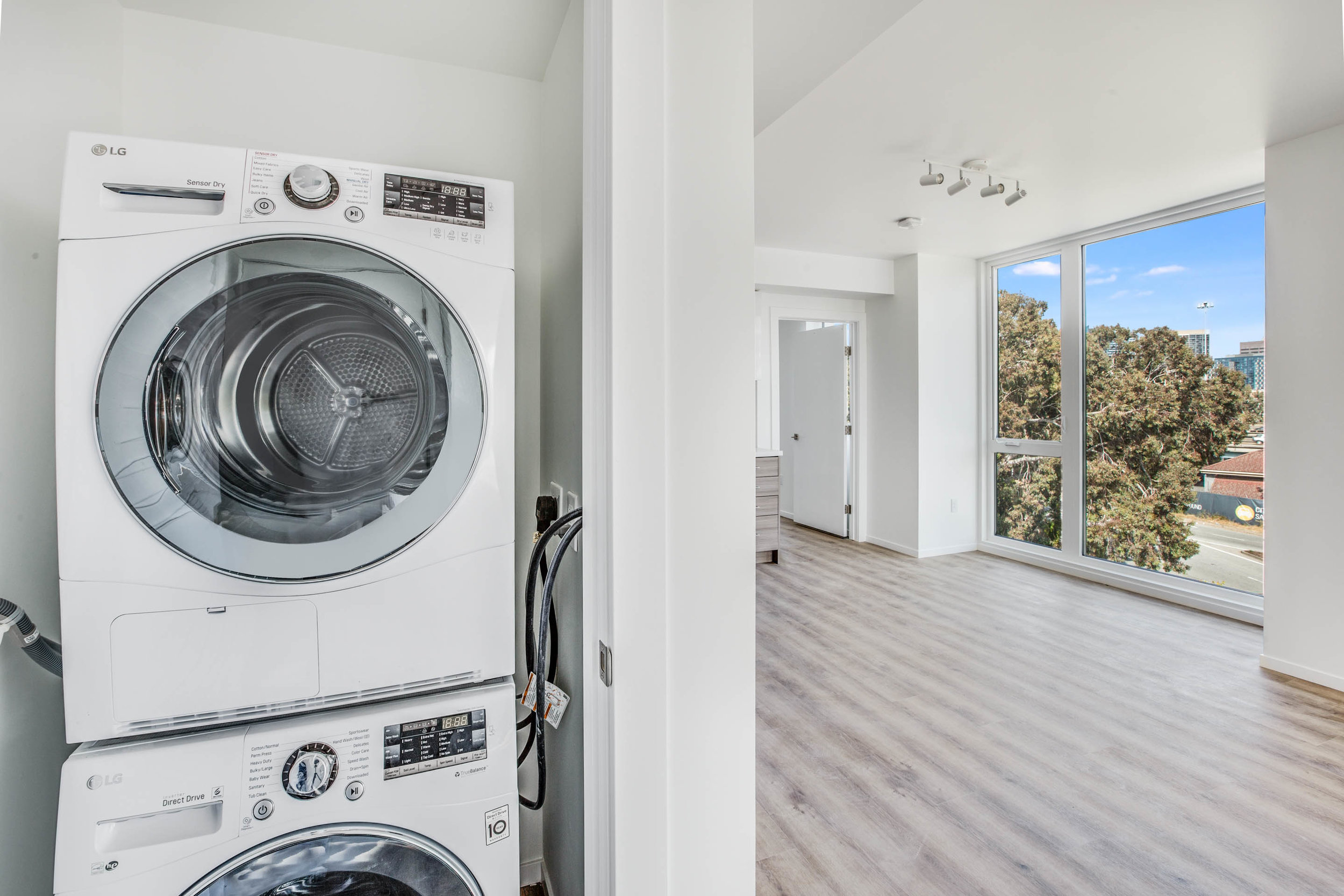 Laundry 01.jpg