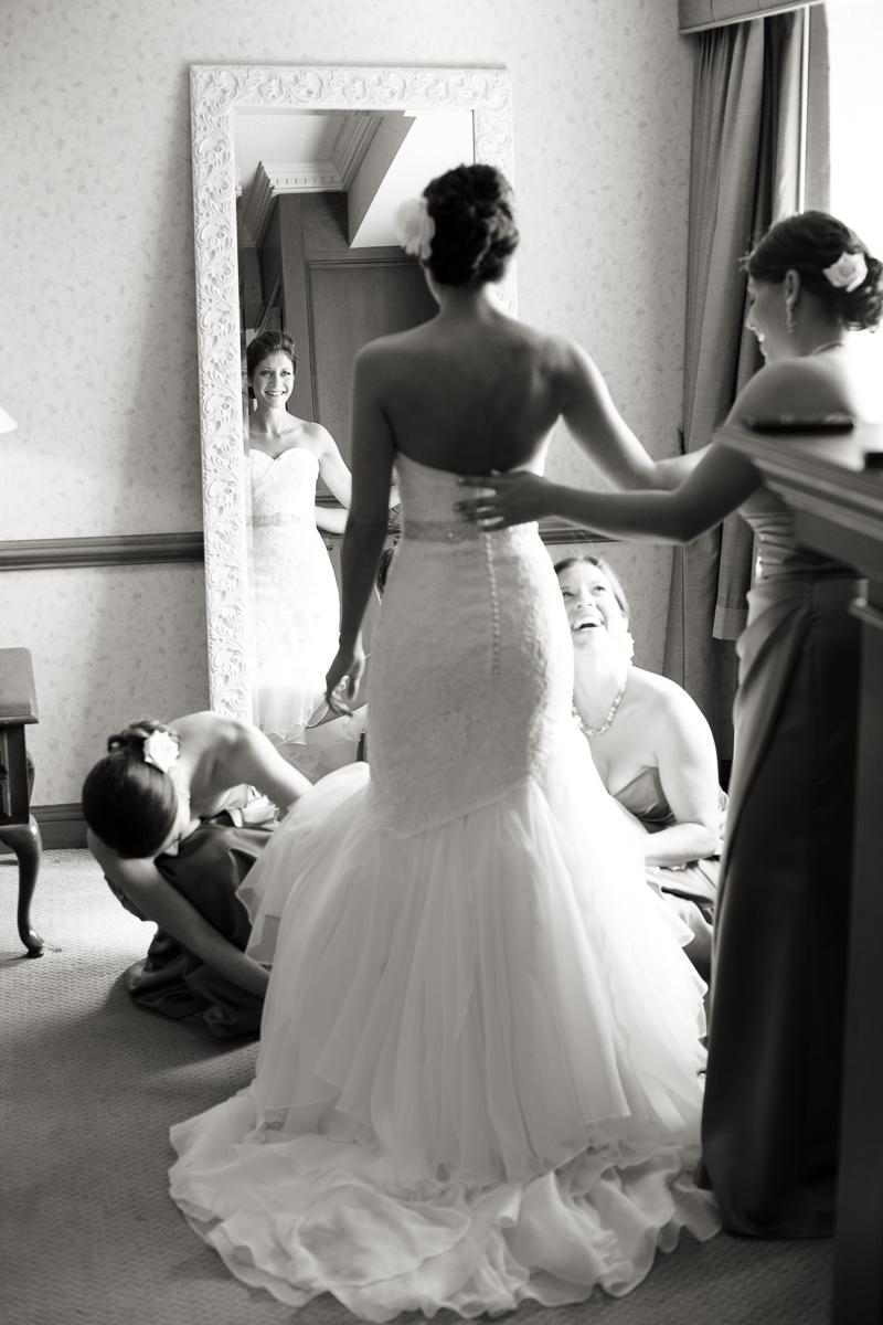 candid_wedding_prep.jpg