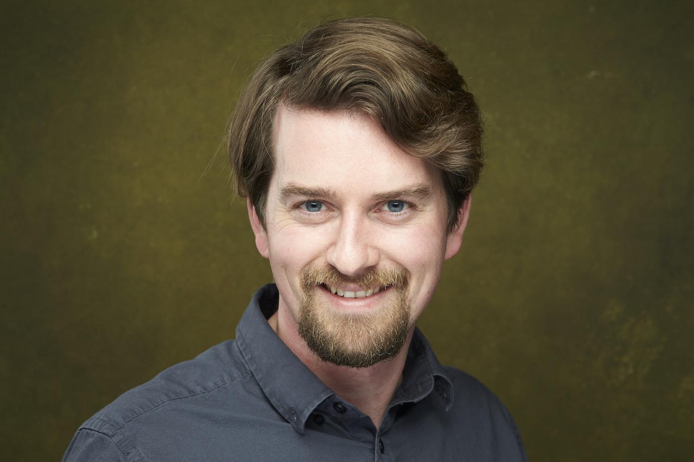 Fresno California Headshots - male with blue eyes
