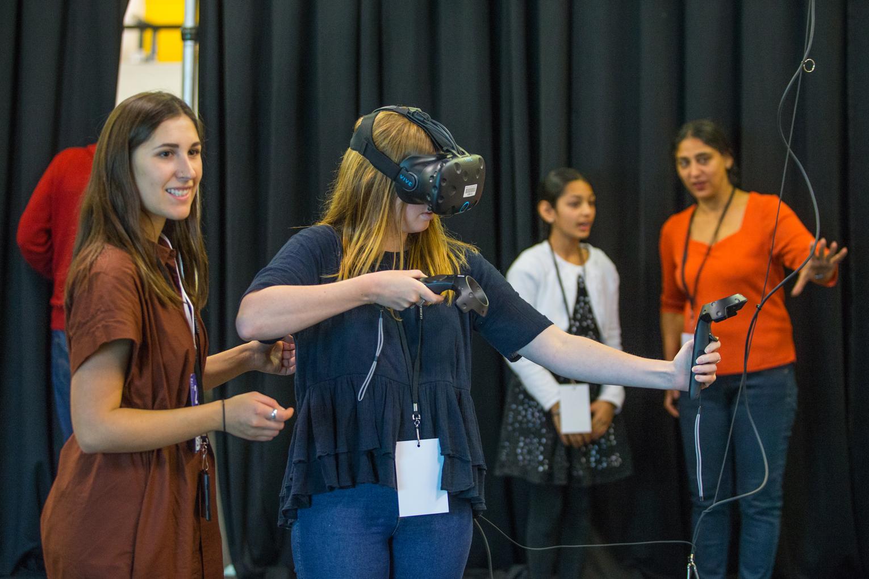 TiltBrush VR Workshop - Sutu Eats Flies - PUBLIC PROGRAMMING / WORKSHOP FACILITATION