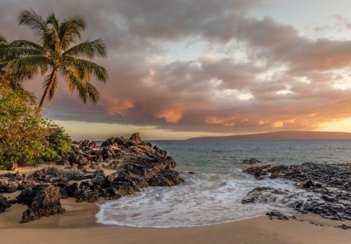 Maui beach sunset looking out toward Kaho'olawe