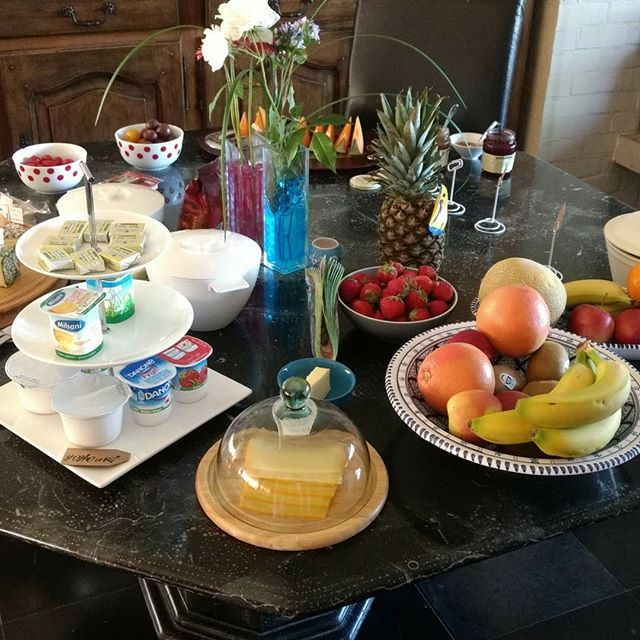 Een overheerlijke brunch in Bed and Breakfast Tramontana op vaderkesdag. Smakelijk!! . . . #bedandbreakfast #brunch #torhout #toerisme #vaderkesdag #zondag #bnb #airbnb #logeren