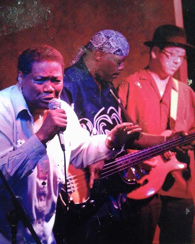 #repost from @jefferylabon4758 🤩 • • • #blues #analog #documentary #icanonlybemarylane #marylane #singing #bass #soul #music #chicago #live #performance #womeinmusic