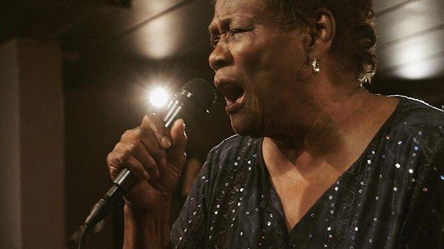 Happy Monday from Mary Lane! ❤️ • • • #blues #music #marylane #powerfulwomen #womeninmusic #womeninfilm #nostatic #bluesband #bluesmusic #singing #soul #power #chicago #chicagomusic #live #livemusic