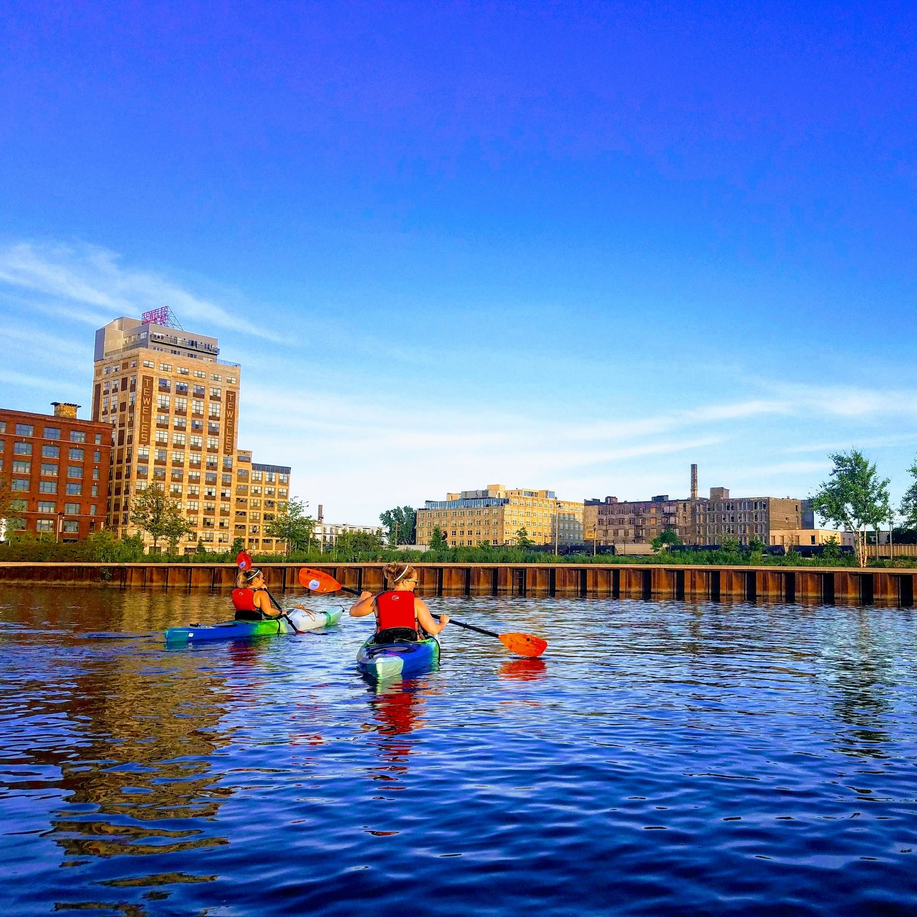 Kayak Tours - Menomonee Valley Partners & Milwaukee Kayak Company partner each summer to get you on the Menomonee River and its canals while exploring the Valley's past, vital to Milwaukee's history, and its exciting future. Great for all experience levels! Available tours are listed on our events page or on Milwaukee Kayak Company's events page.
