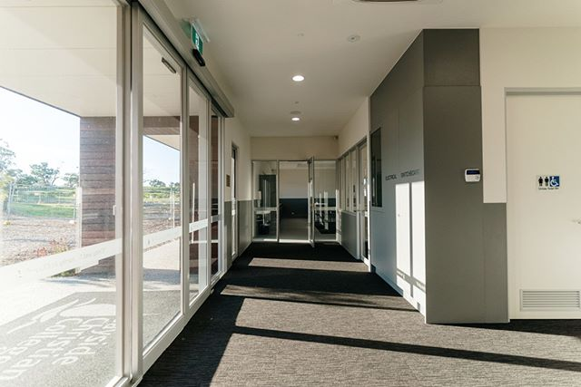| Commercial | The entry hallway at Bayside Christian College's new Science Building.⁠ .⁠ .⁠ .⁠ .⁠ 📸 @onetooagency⁠ #commericalconstruction #commercialbuilder #construction #school #schoolbuilding #science #baysidechristiancollege⁠