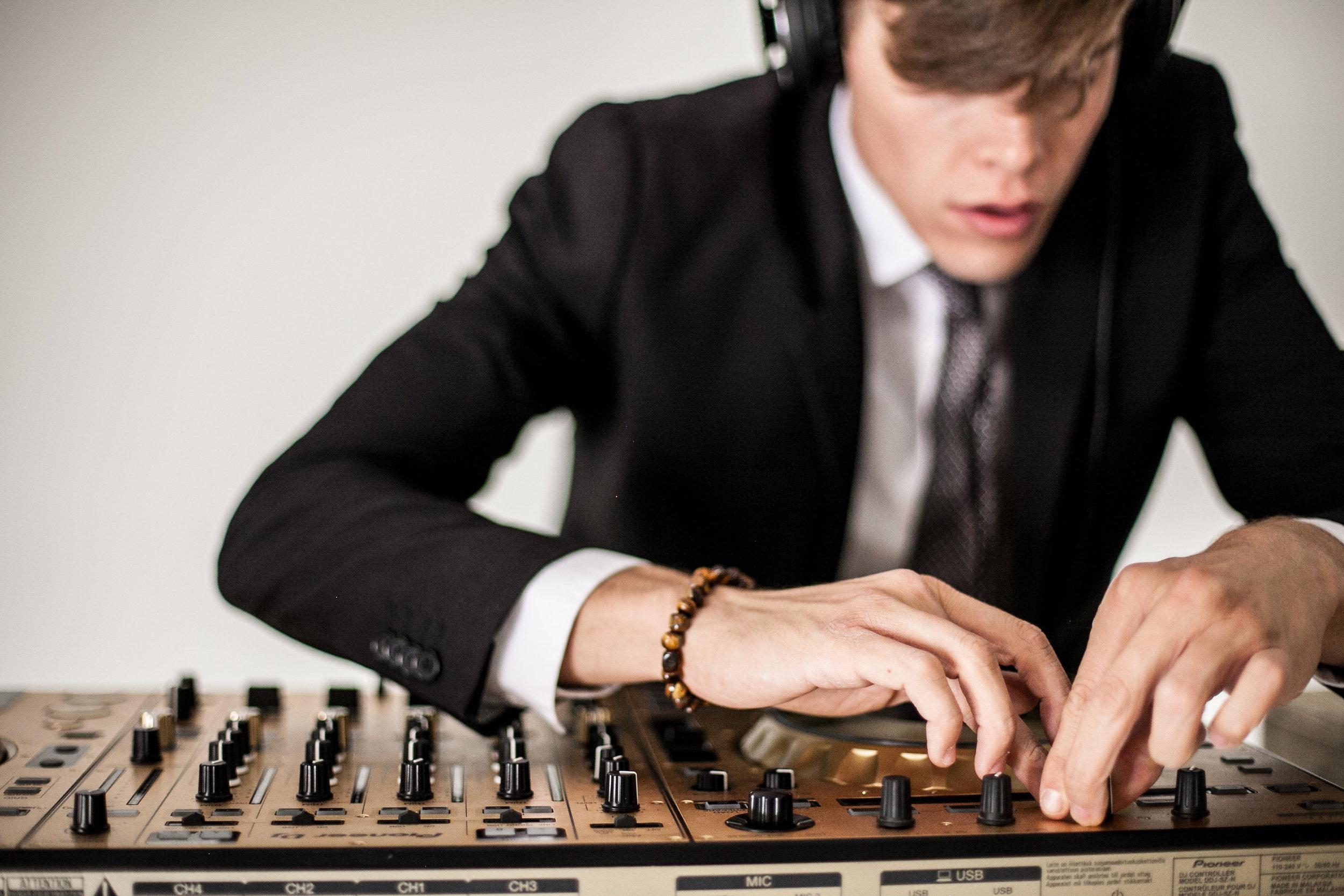 DJ-138.jpg