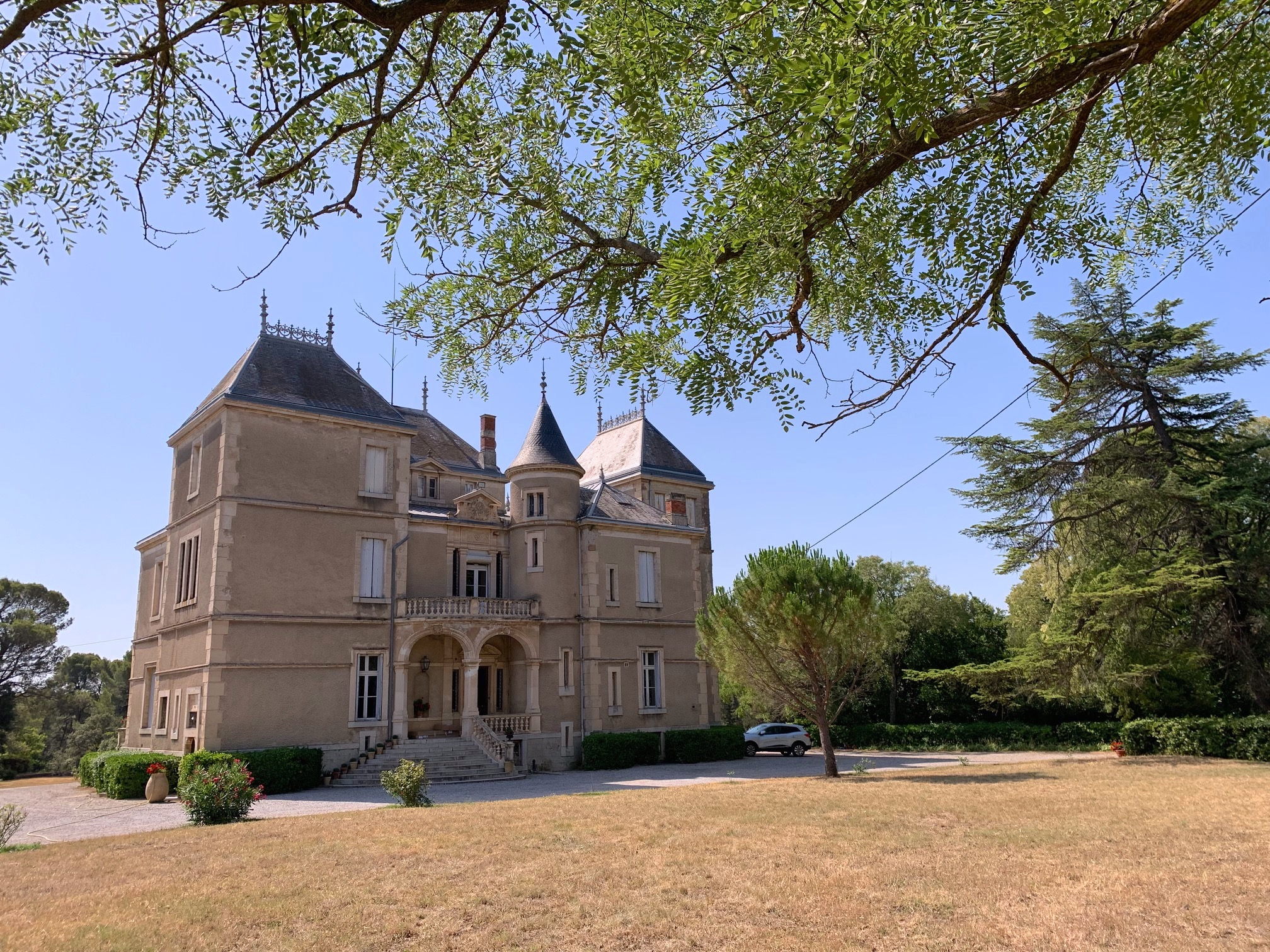 Chateau J.jpg