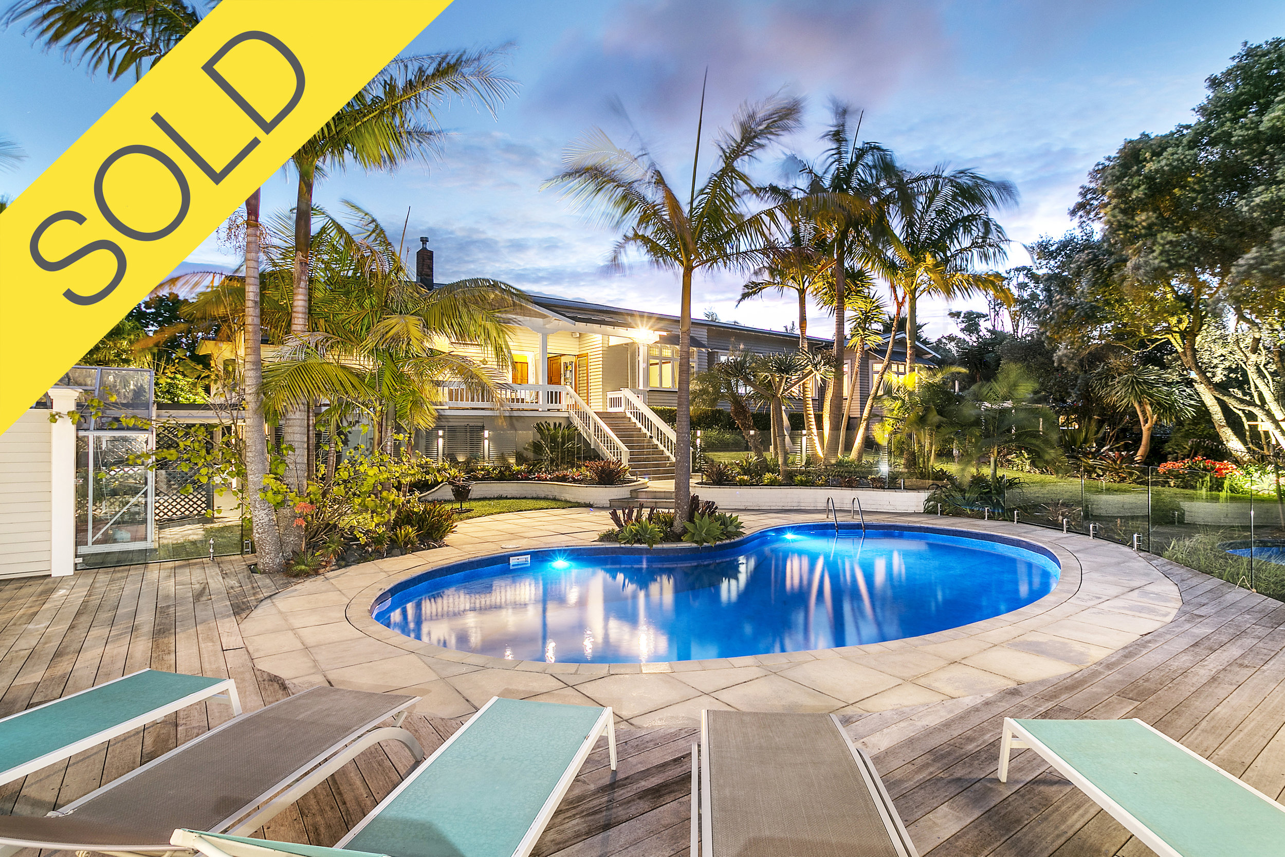 50 Carlton Street, Hillsborough, Auckland - SOLD MARCH 20185 Beds | 3 Baths | 7 Parking