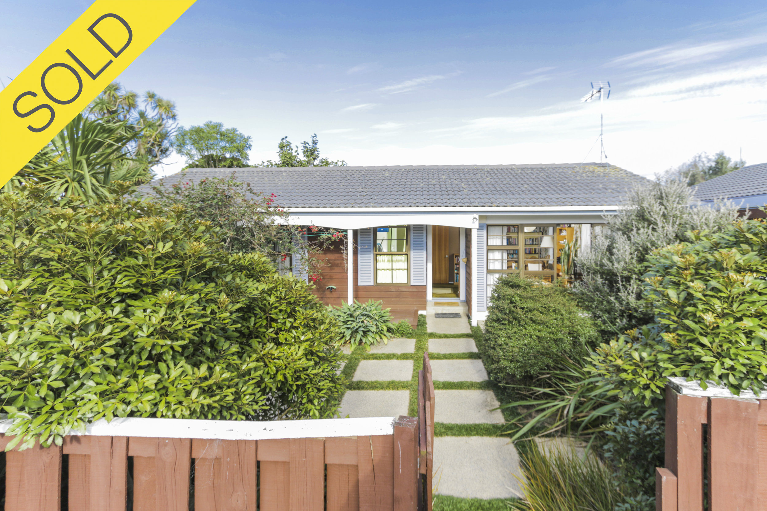 13/151 Selwyn Street, Onehunga, Auckland - SOLD MAY 20172 Beds I 1 Bath I 1 Parking