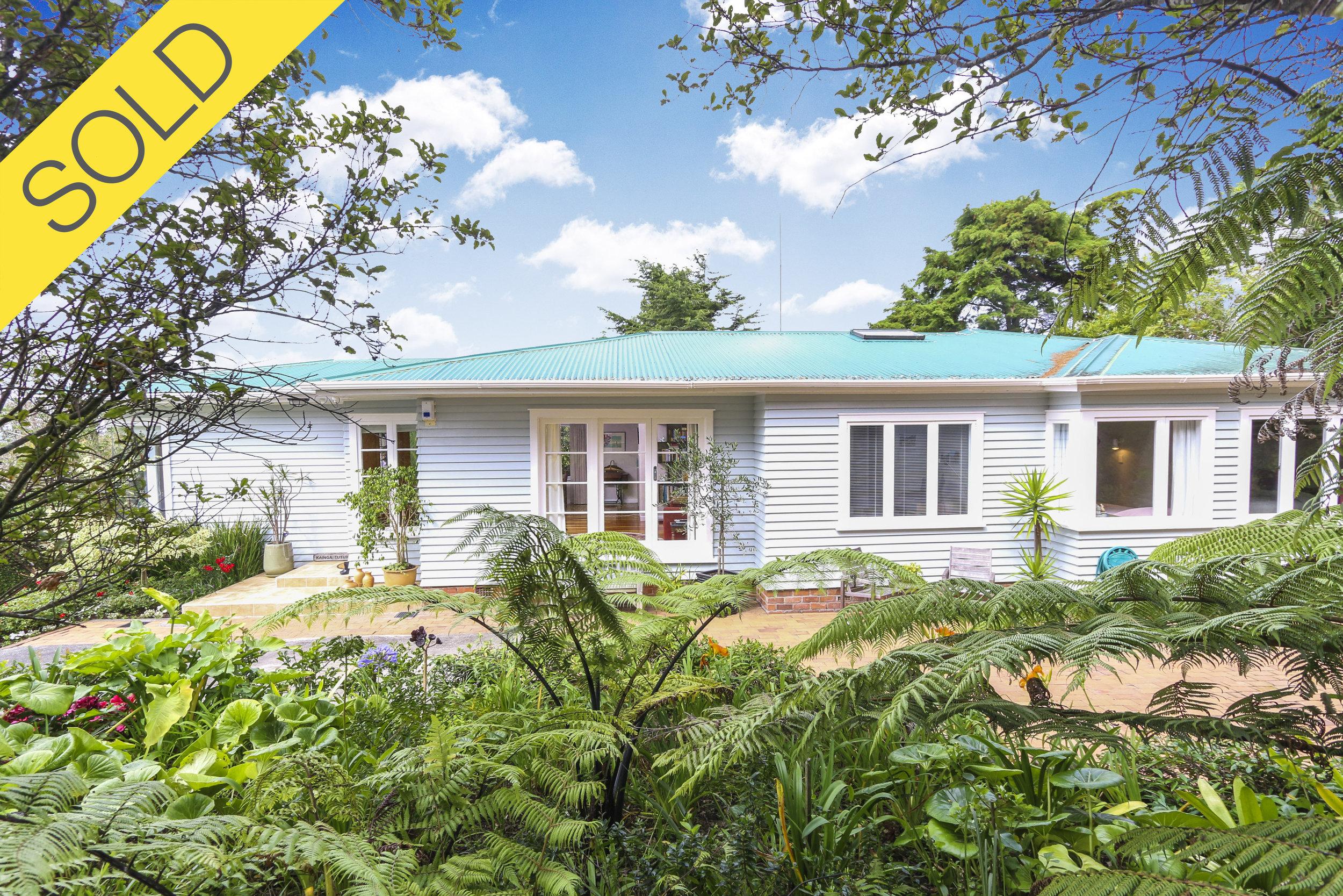 55 Goodall Street, Hillsborough, Auckland - SOLD MARCH 20174 Beds I 2 Baths I 2 Parking
