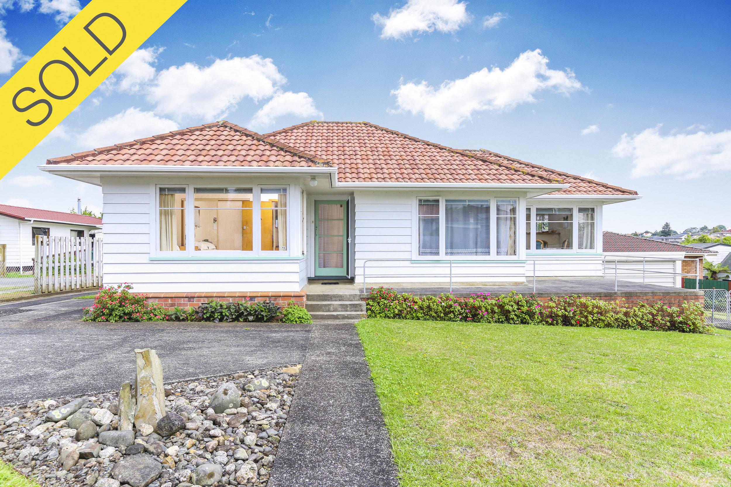 91 Hillsborough Road, Hillsbrgh, Auckland - SOLD MARCH 20173 Beds I 1 Bath I 5 Parking