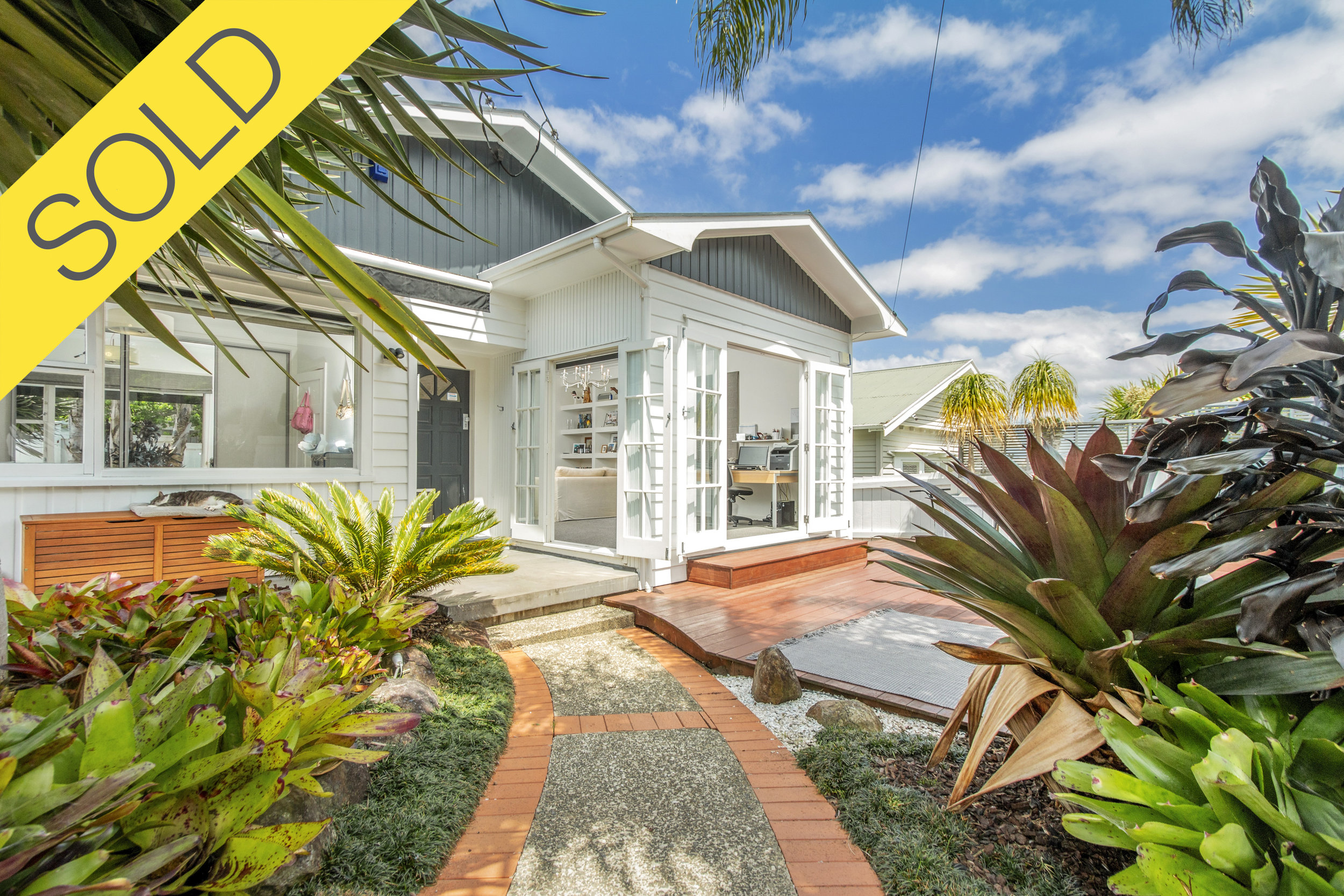 26 Highland Road, Mount Albert, Auckland - SOLD DECEMBER 20184 Beds I 2 Baths I 3 Cars