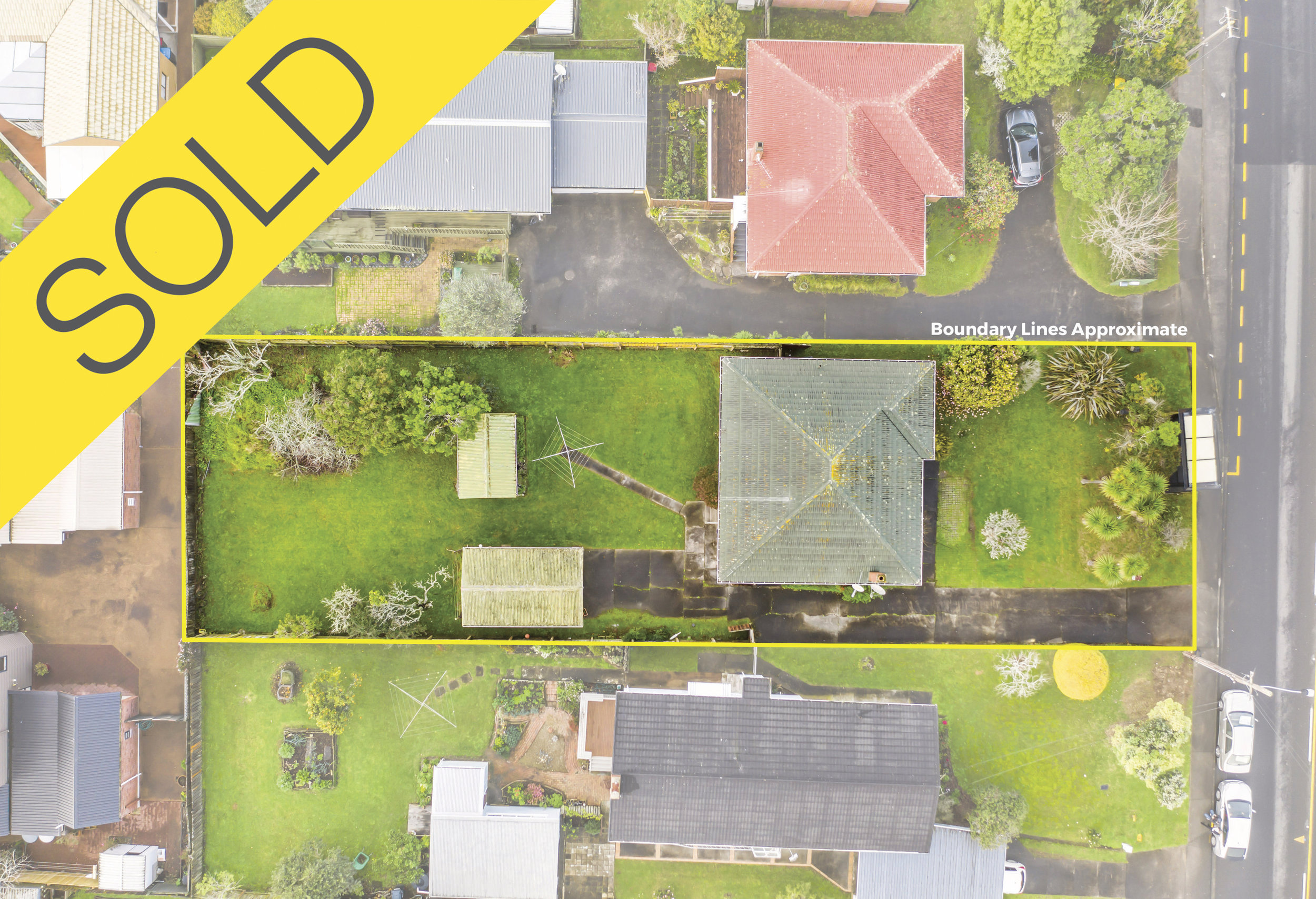 563 Hillsborough Road, Mt Roskill, Auckland - SOLD AUGUST 20193 Beds I 1 Bath I 3 Cars