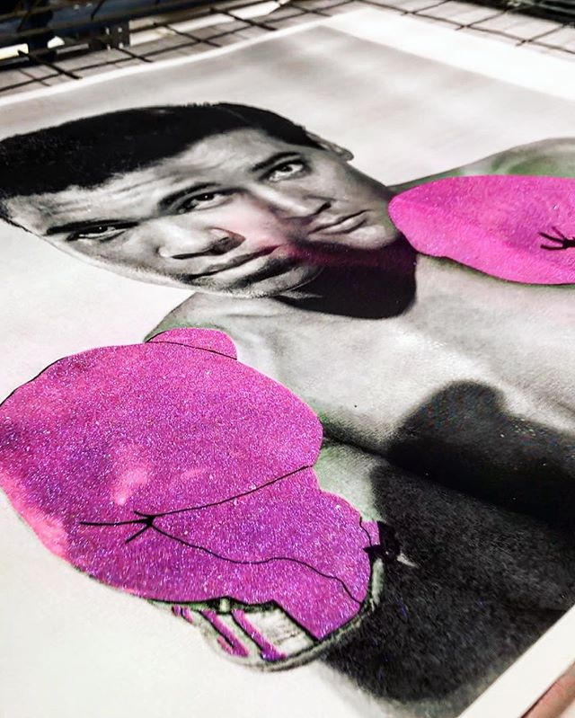 ⚫️THE GREATEST💕 🧬From our series FALL FROM GRACE Special Edition @elvis 🥊 @muhammadali  Visit our website link bio ⚡️arthouseoforion.com . . . #elvispresley #fanart #boxingfan #muhammadali #diamonddust