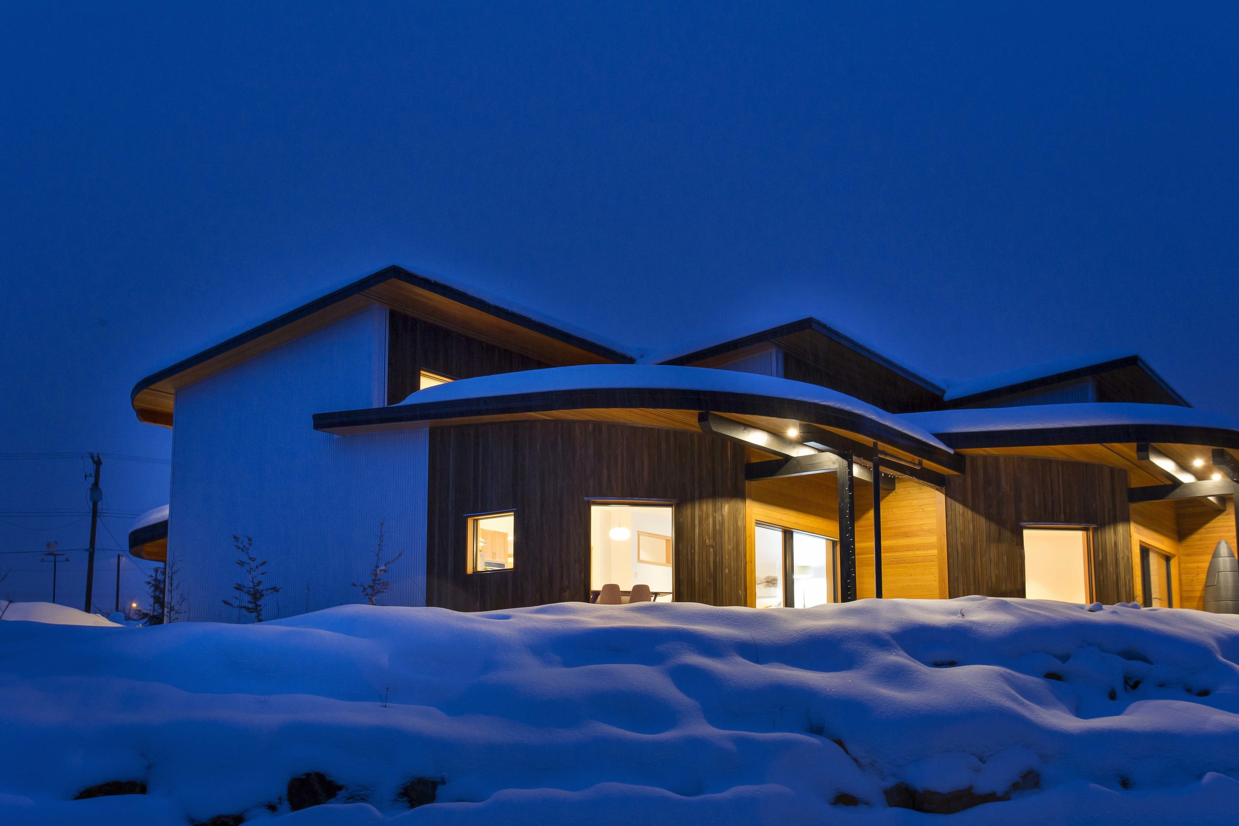ENERGY-EFFICIENT CERTIFIED PASSIVE HOUSES