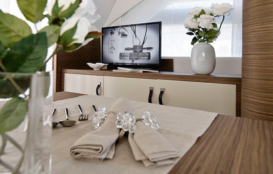 Arctic Queen TV inside saloon rodman-muse-44.jpg