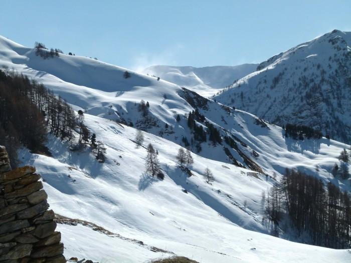 SNOW WIND