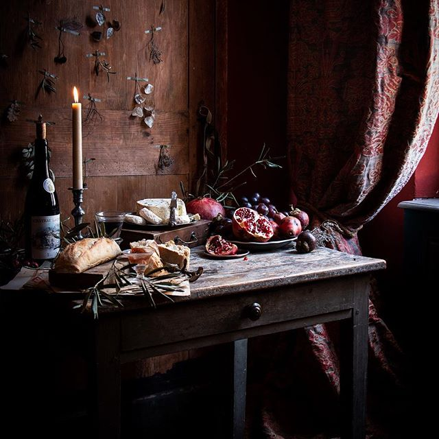 Beautiful Chiaroscuro tablescape created by Aimee Twigger, credit Aimee Twigger