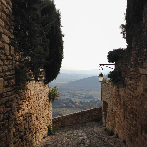 Insiders+guide+to+famous+towns+&+cities+Gordes.jpg