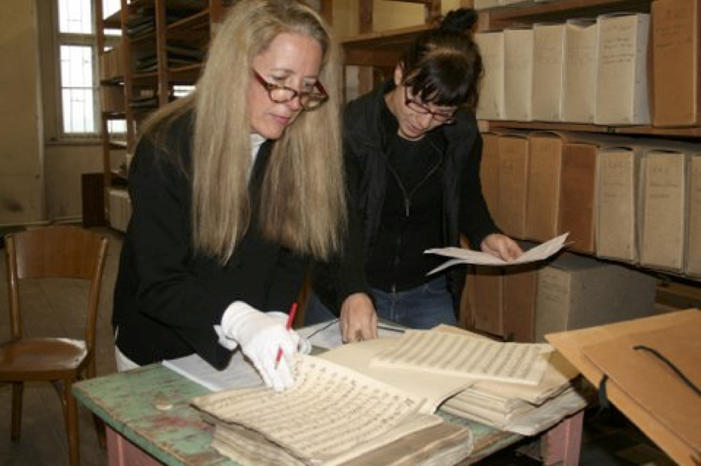 Musicologist Kathryn Libin of Vassar College with Sona Cernocka, librarian of the Lobkowicz Collections