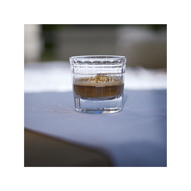 HAVE A LITTE BREAK ONE OF OUR FAVOURITE GLASSES FROM * * * | Werbung da Markennennung | #zwiesel #zwiesel1872 #hommagecarat #procurement #purchasingservices #break #affogato #glas #espresso #illy