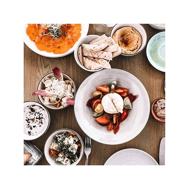 HEALTHY LUNCH TIME * * * | Werbung da Markennennung | #7pinesibiza #sevenpines #procurement #hospitality #ibiza #lunch #foodlover #island #baleares  #mepra #bauscher #tabletop