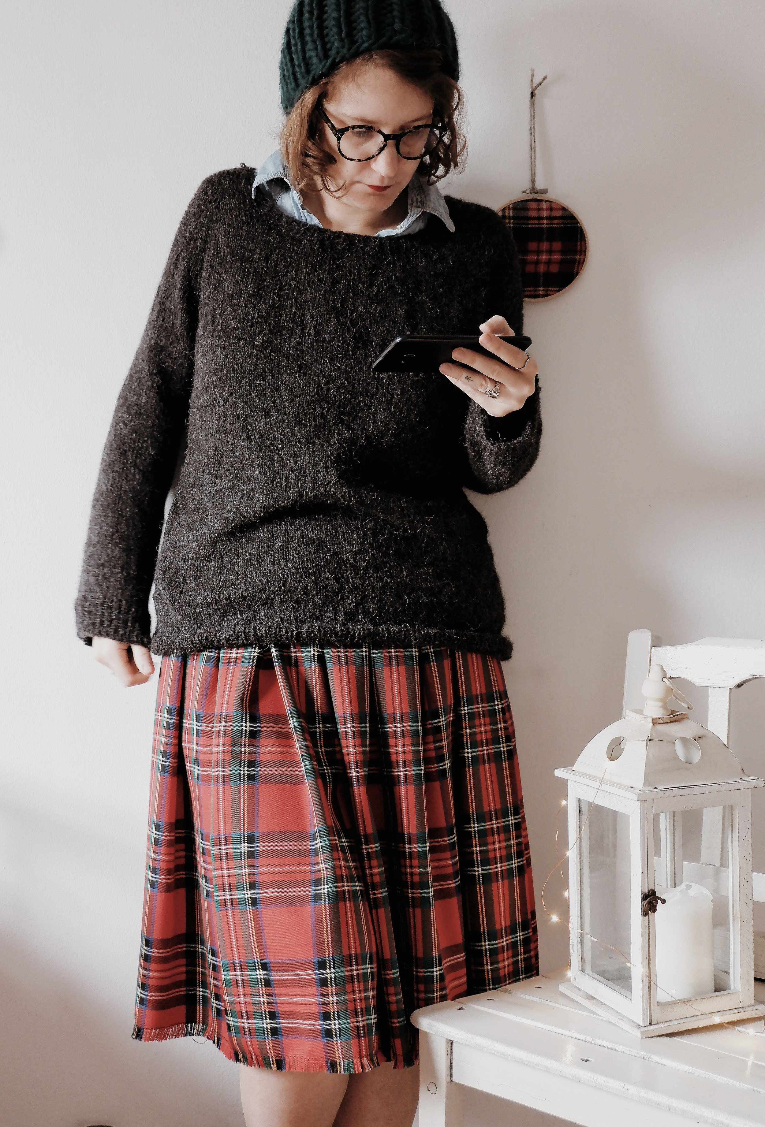 Calmfluencer Sweater_01.jpg