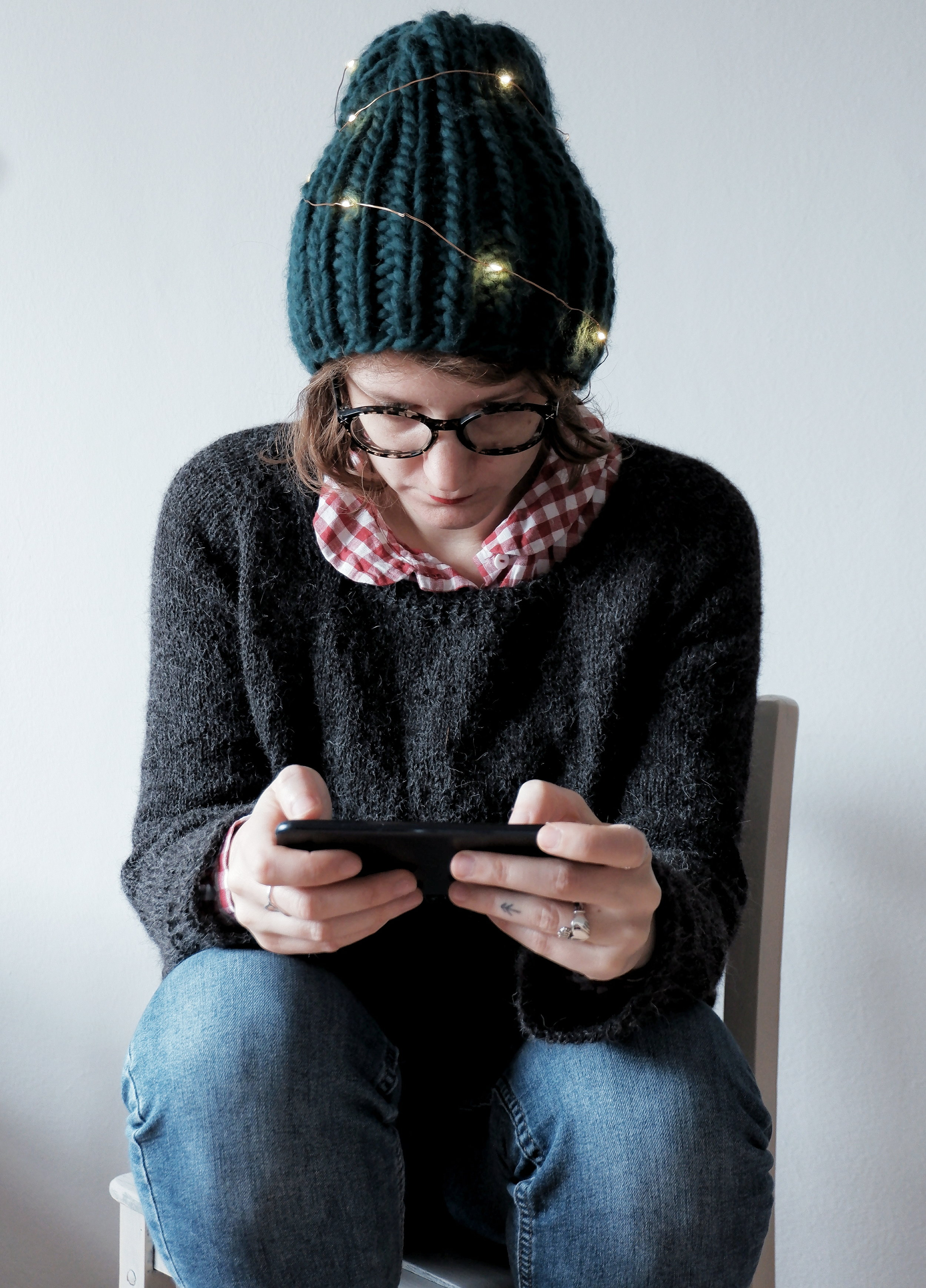 Calmfluencer Sweater_07.jpg