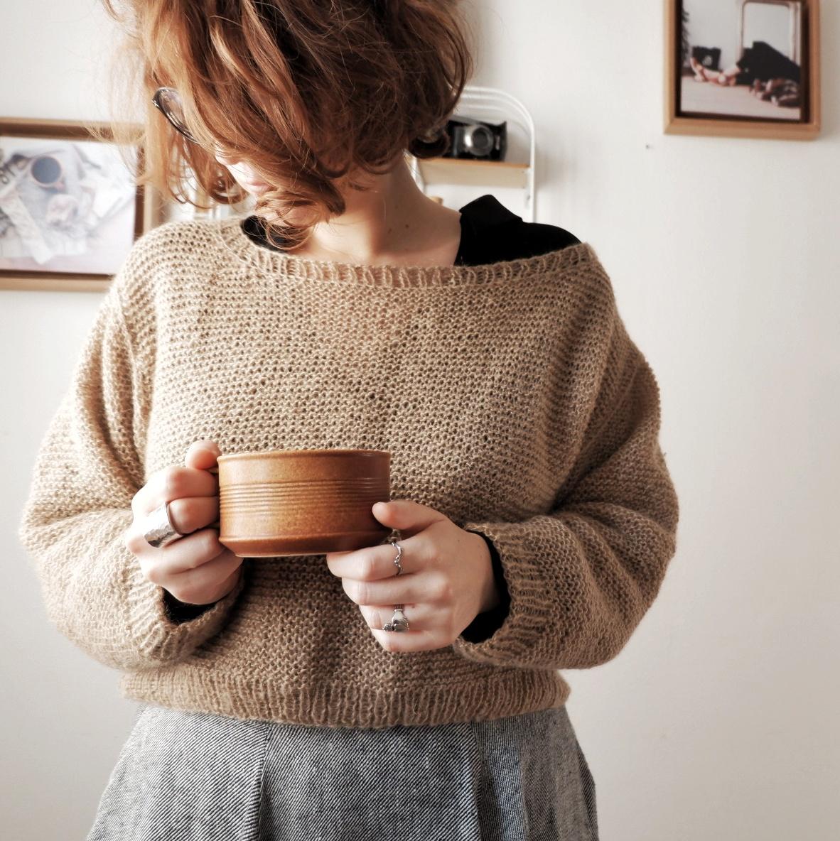 I've made and wore for the first time a cropped sweater.  Ho fatto e indossato, per la prima volta, un maglione cropped.