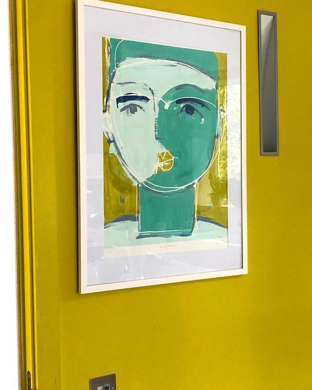 New figurative works in preparation for @theotherartfair the first weekend in October. Come and see me at STAND 61. 'Fezzy feeling'  silkscreen monotype. #contemporaryprintmaking #paintingprocess #screenprinting #printmaking #monoprint #monotypes #handmadeprints #uniqueprints #printmaker #womenartists #silkscreen #studiolife #abstractart #contemporaryart #art #kunst #vibrantcolour #artcollector #artlover #interiordesign