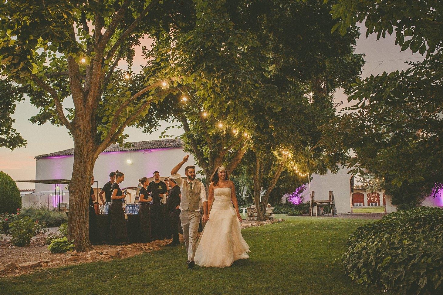 boda-en-el-pla-del-bosc-victor-more (1).jpg
