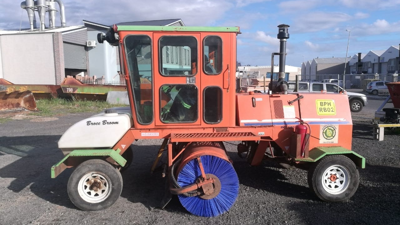 burma-plant-hire-mechanical-broom-2.jpg