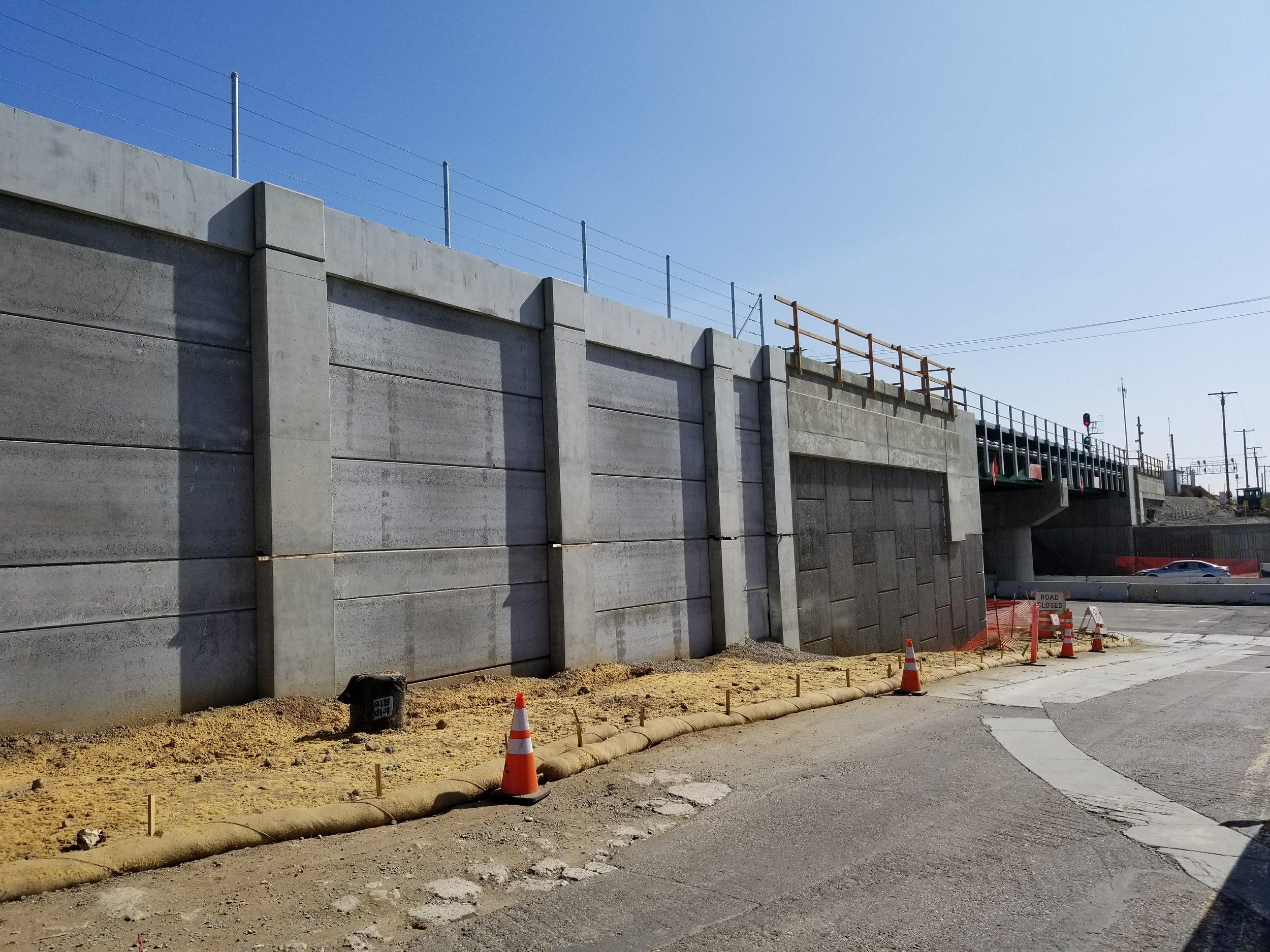 Wall 482 -