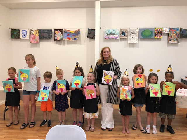 Little Artist Party: We will customize the canvas image to fit your party theme.