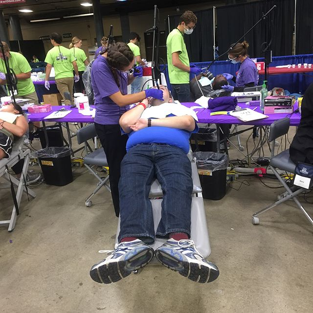 East End Dentistry volunteers at Illinois Mission of Mercy in Springfield IL 2018