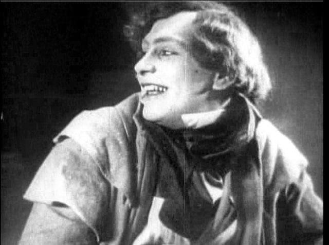 Hutter, played by Gustav von Wangenheim