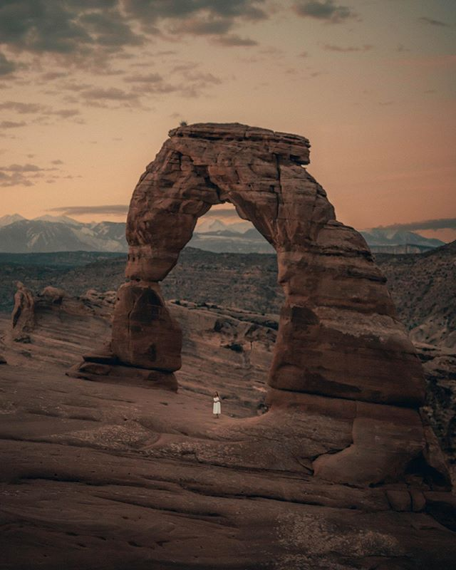 The Arch // The time here in Moab, Utah was absolutely magical.  Surprisingly, this was the first time I've actually been in a National Park. @camp.wanderlost paired up with @shortstache to offer an amazing photography workshop out in the middle of nowhere and created something that will forever be ingrained in my memories and my creative journey!  I definitely plan on heading out back here again... it's just a matter of time. Also, how do you like the new style?  Let me know your thoughts 😁