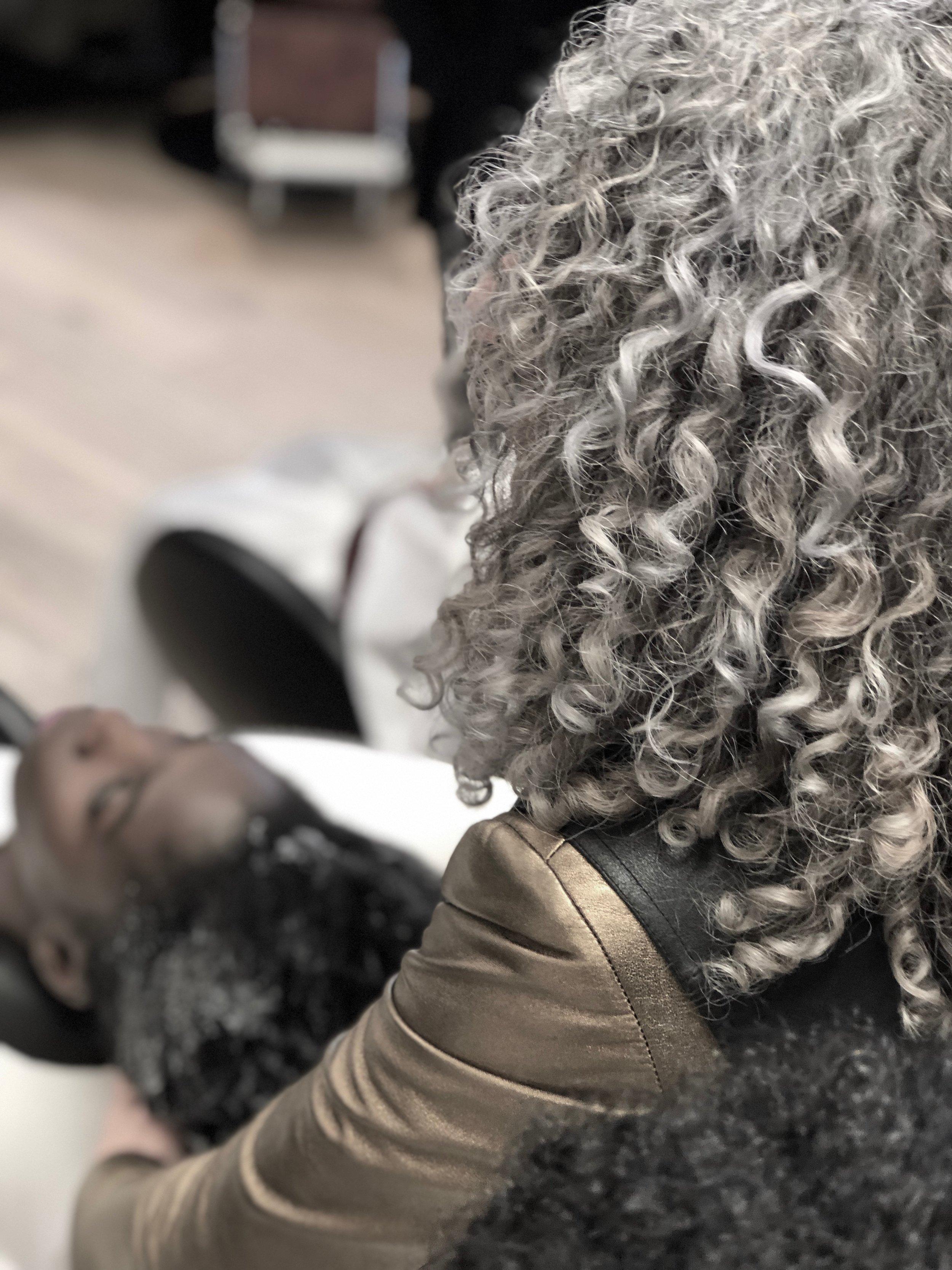 Original Curly Girl Lorraine Massey, Mid-flow- cleansing fractal curls