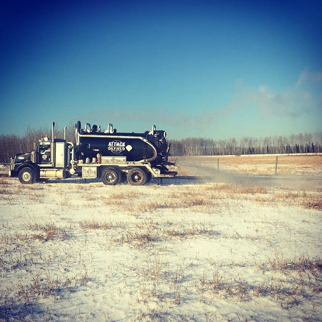 It's a nice day to do some land spreading! #drillingmud #albertaoilfield #northernalberta #attackoilfield