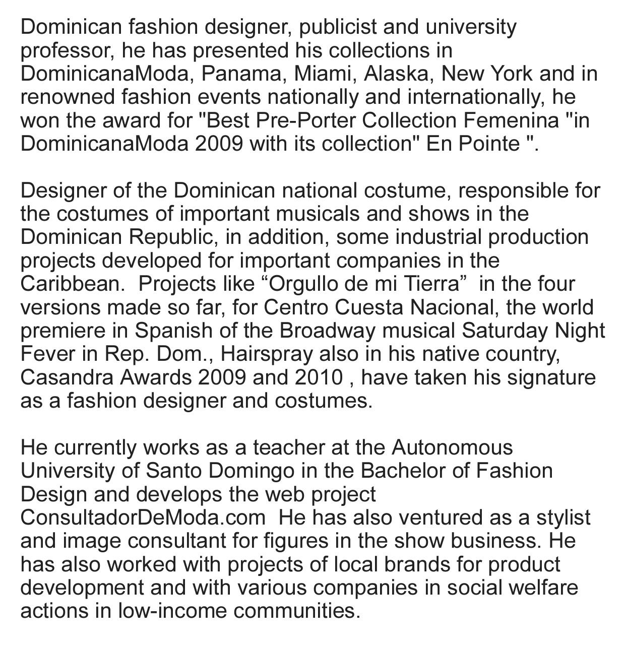 www.carlosdemoya.com      SandeeGlam      #CarlosDeMoya #FashionDesigner