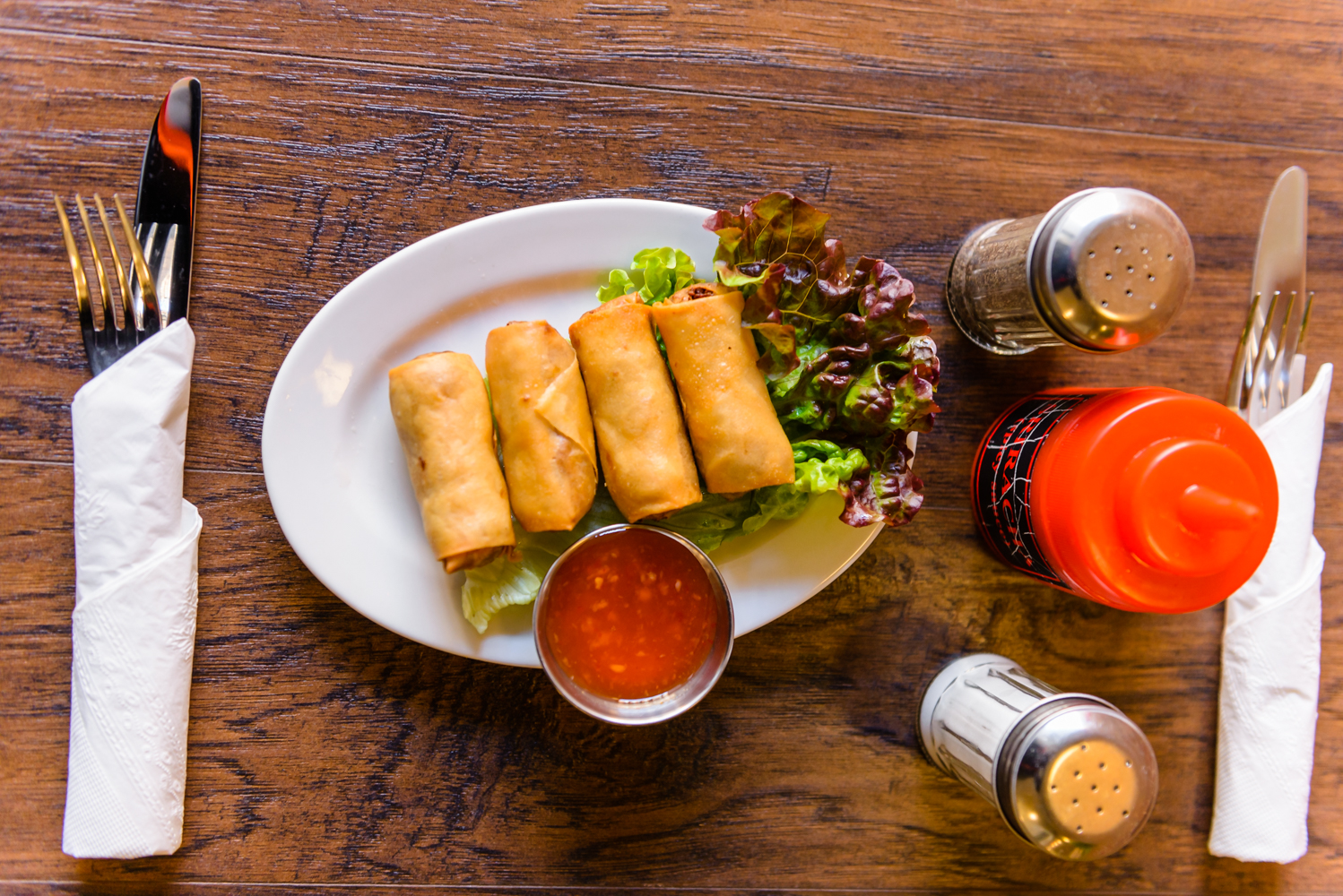 Vietnamese Rolls served with chicken and rice vermicelli
