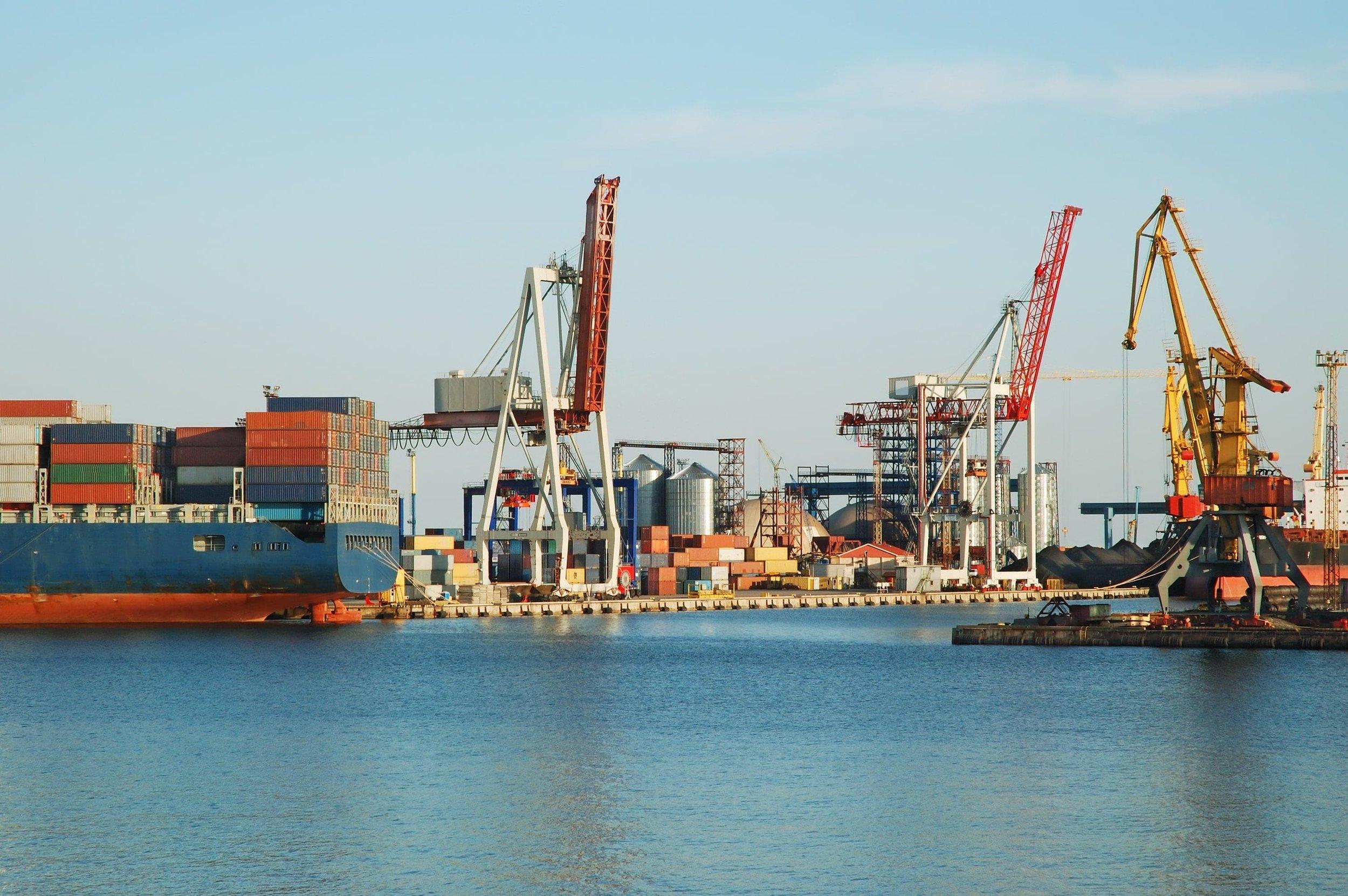 in-a-sea-port-P5BACP2-min-min-min.jpg