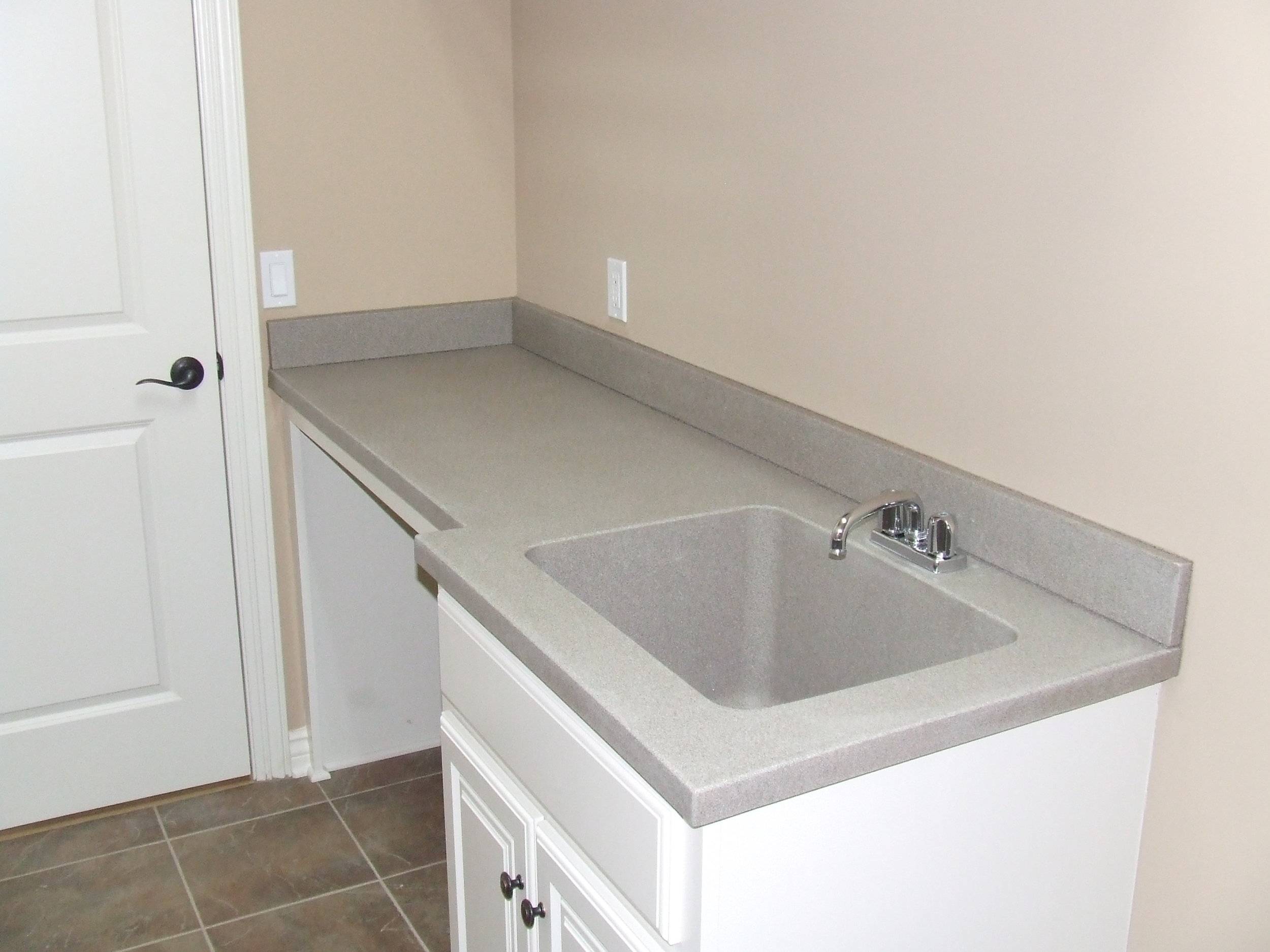 laundry-tub-w.-counter-space-2008.jpg