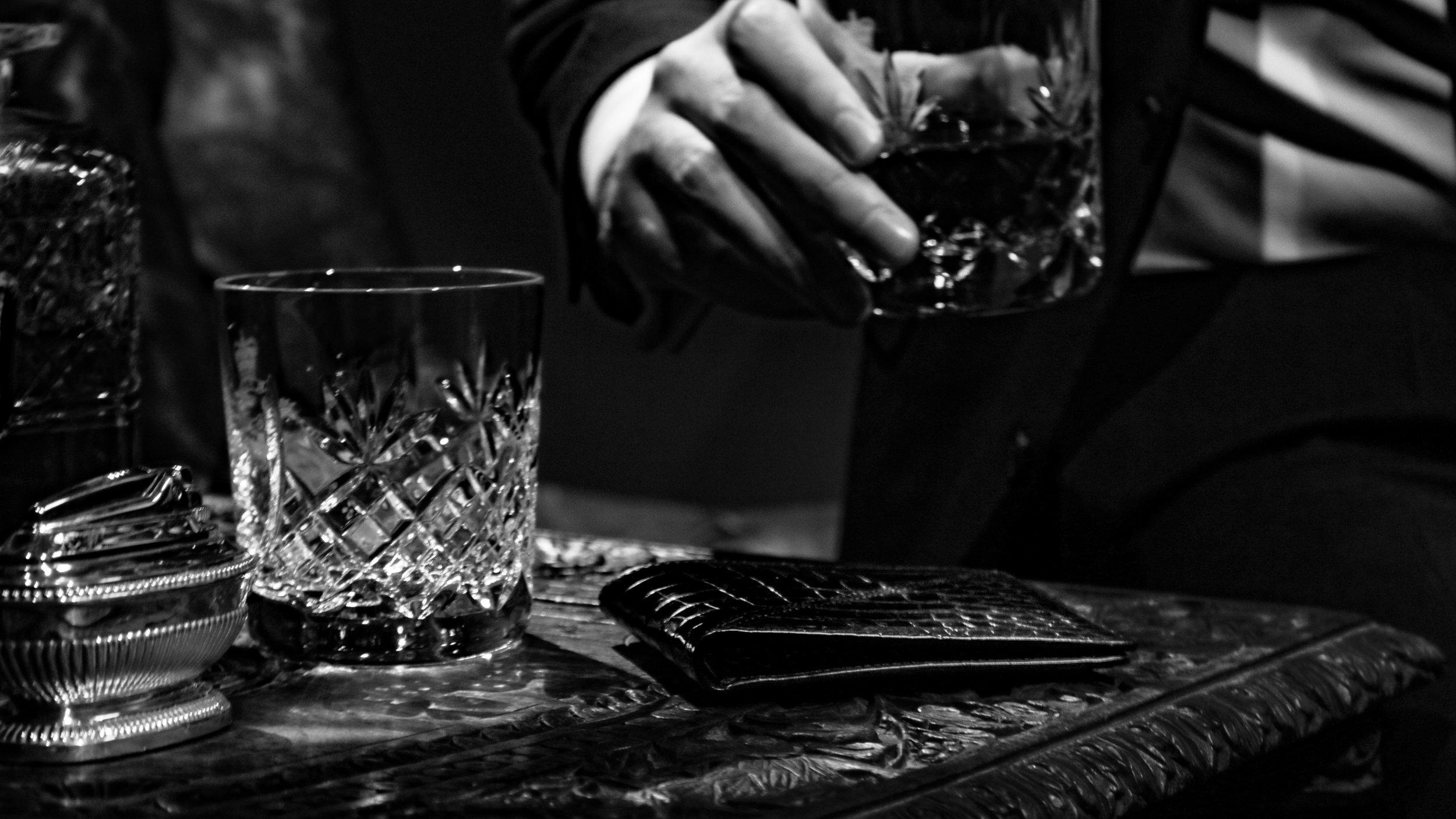 Calie Parese Luxury Nile Crocodile Leather Men's Wallet in Black