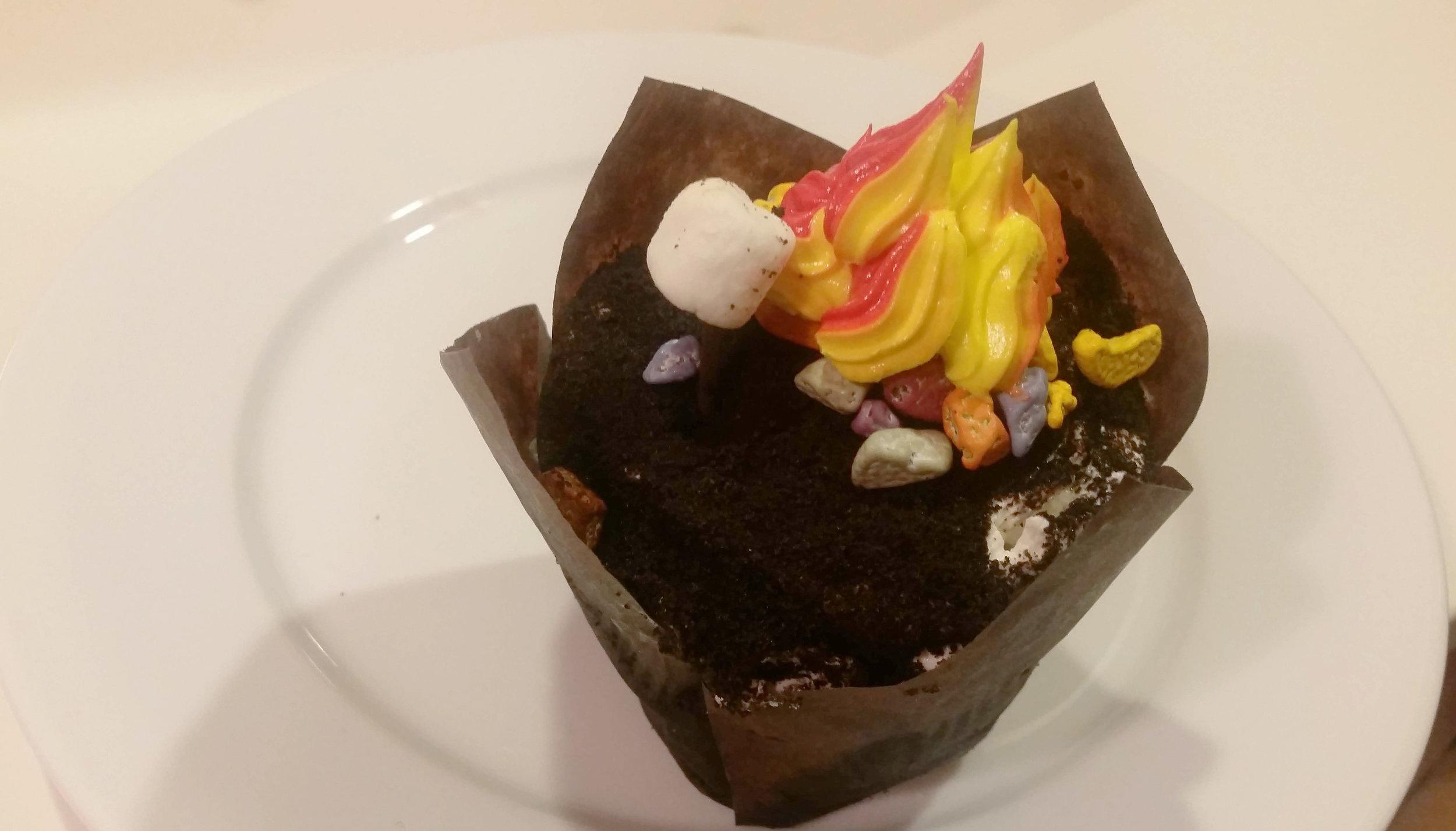 campfire cupcake.jpg