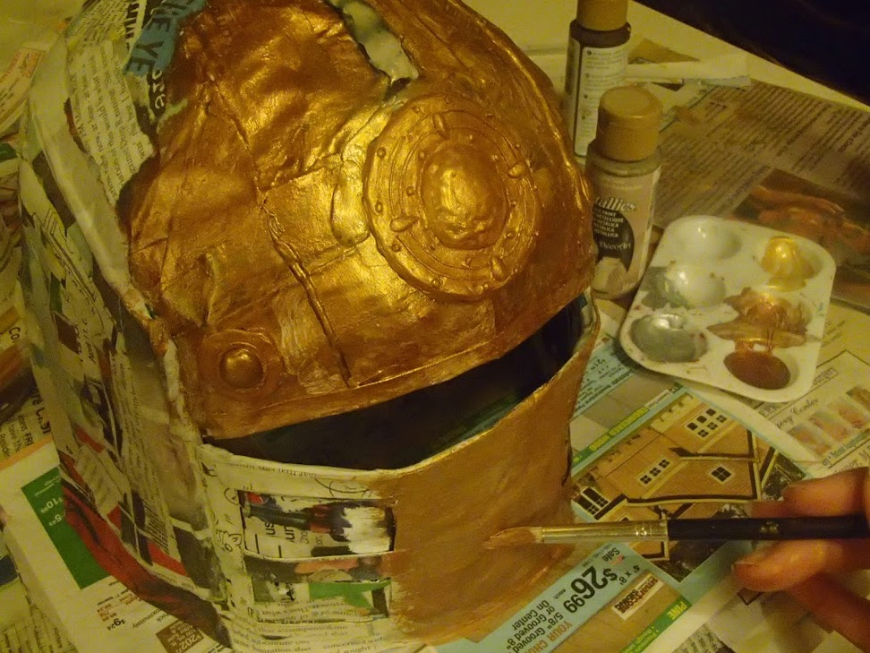 Painting the first layer of the female tusken raider mask.