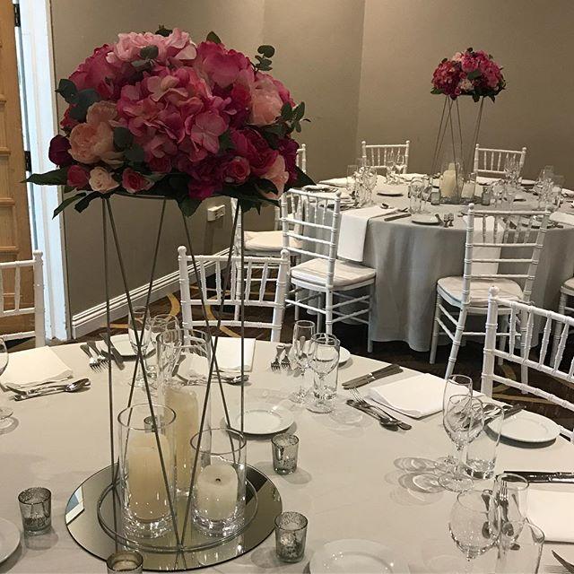 Mixed pinks for the lovely Gemma on Saturday @vinesresortweddings in the Barrett Lennard Room #specialoccasionswa #perthweddings #perthbrides #weddingstyling #eventstyling #weddinginspo #centrepiece #fuchsiapink